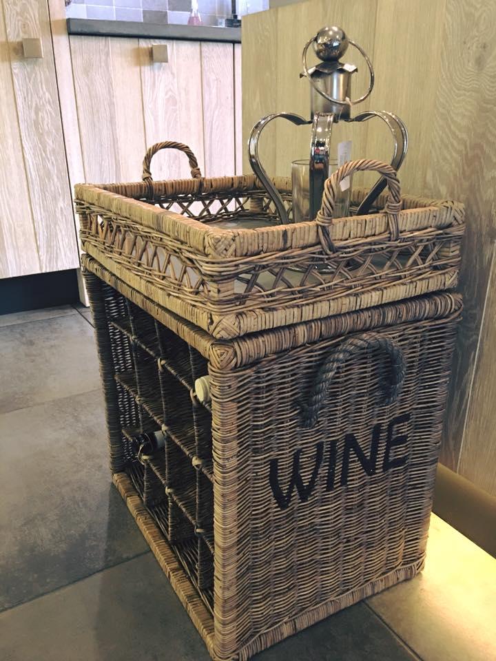 Wijnflessen rek met dienblad