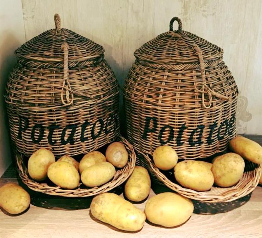 Rieten Aardappelmand Erg Handig Altijd De Aardappels Op De